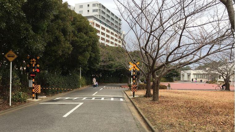 花見川緑地交通公園 踏切